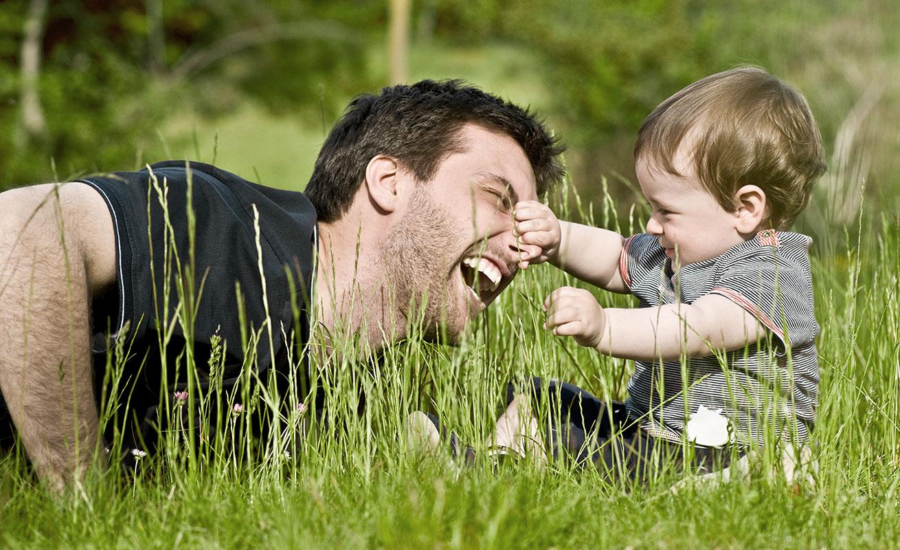 Vater mit seinem kleinen Sohn
